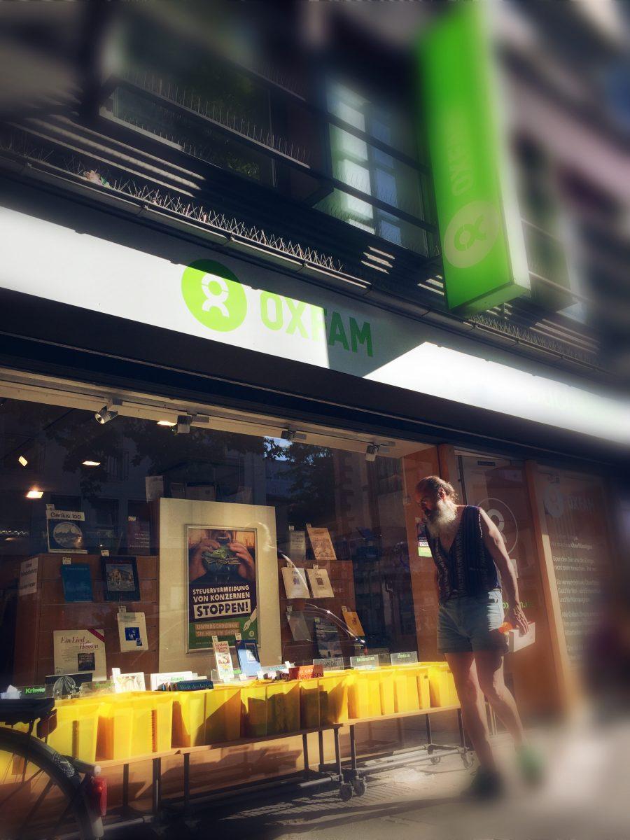 """Bücher kaufen für den guten Zweck: Im """"OXFAM Bookshop"""""""
