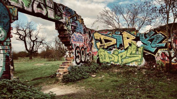 """Von alten Sendern und der Luftabwehr: """"Lost Places"""" am Heiligenstock"""