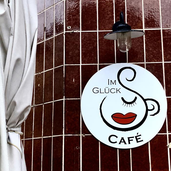 Hinter Diesen Kacheln Verbarg Sich Lange Zeit Lang Ein Kiosk U2013 Heute Aber  Kann Man Dahinter Statt Binding Export Ganz Vorzüglich Kaffee Schlürfen Und  ...