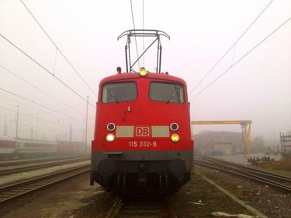Frankfurter Eisenbahn-Geschichte: Bye, bye, Bügelfalte!