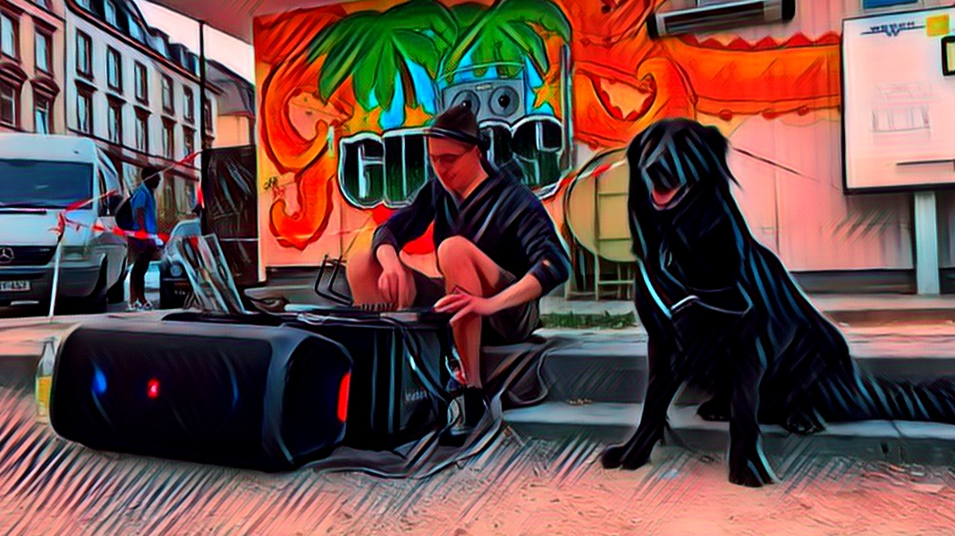 Der DJ mit dem Hund & das Rap-Urgestein